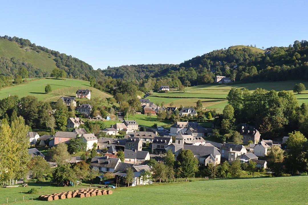Le village d'Esparros