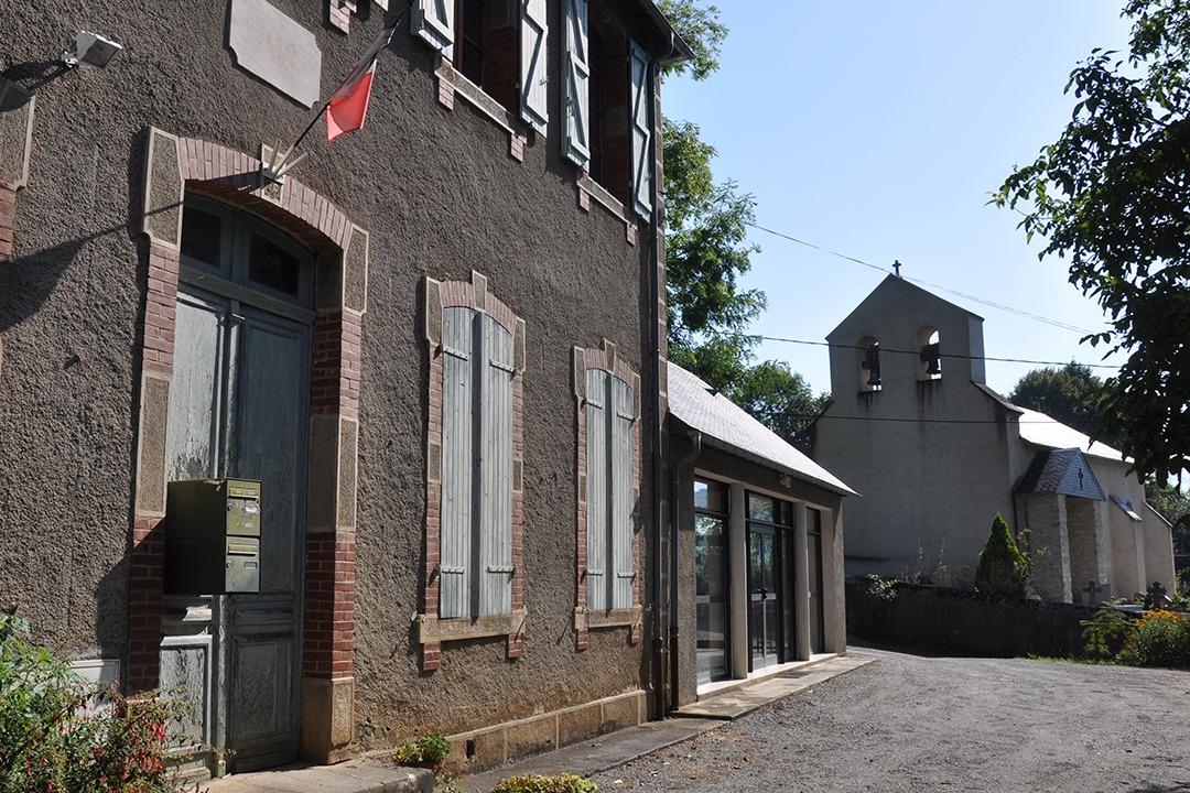 Mairie et Eglise Fréchendets