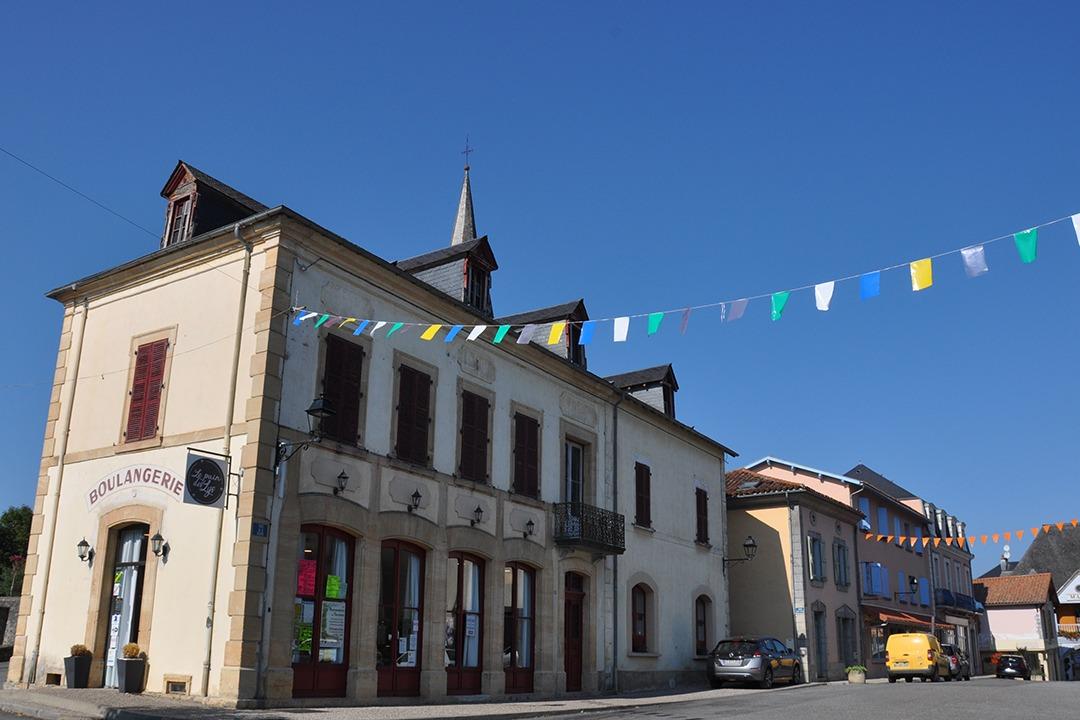 Centre du village Galan