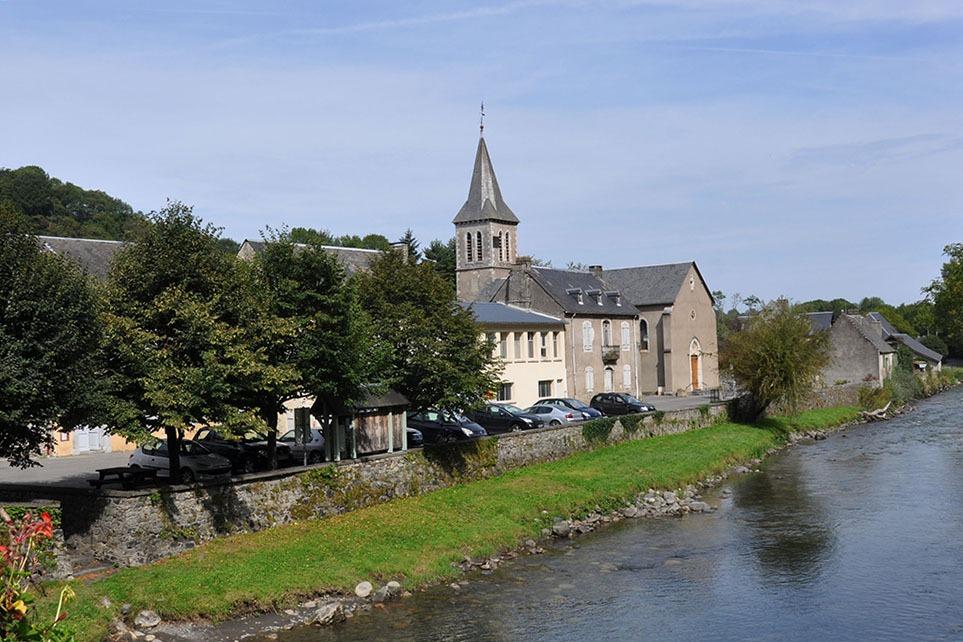 le village de Lortet