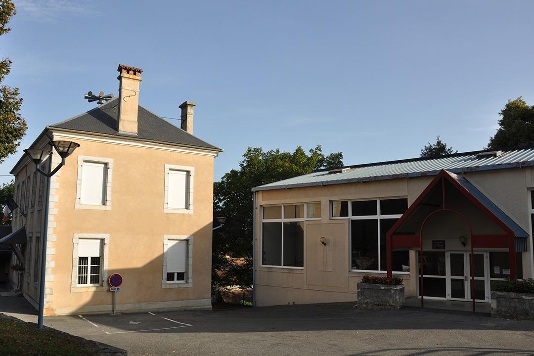 Mairie et salle des fêtes Montoussé
