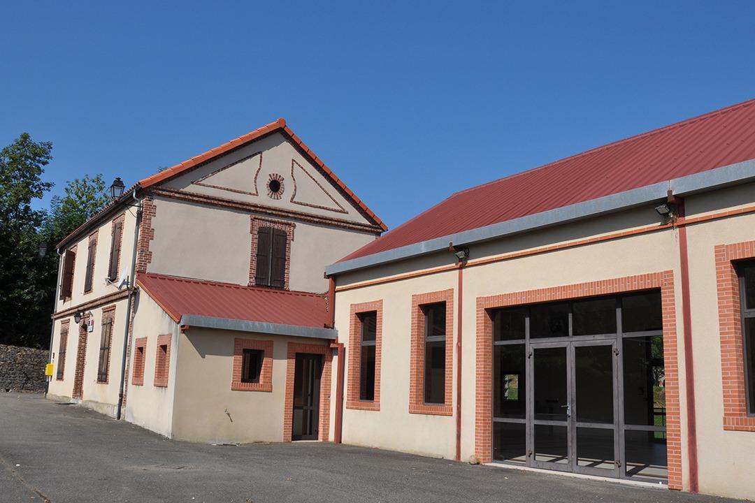 Mairie et Salle des fêtes Péré