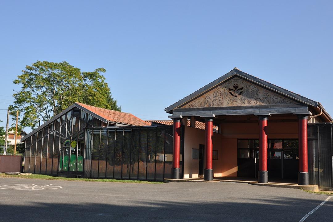 Ecole Pinas